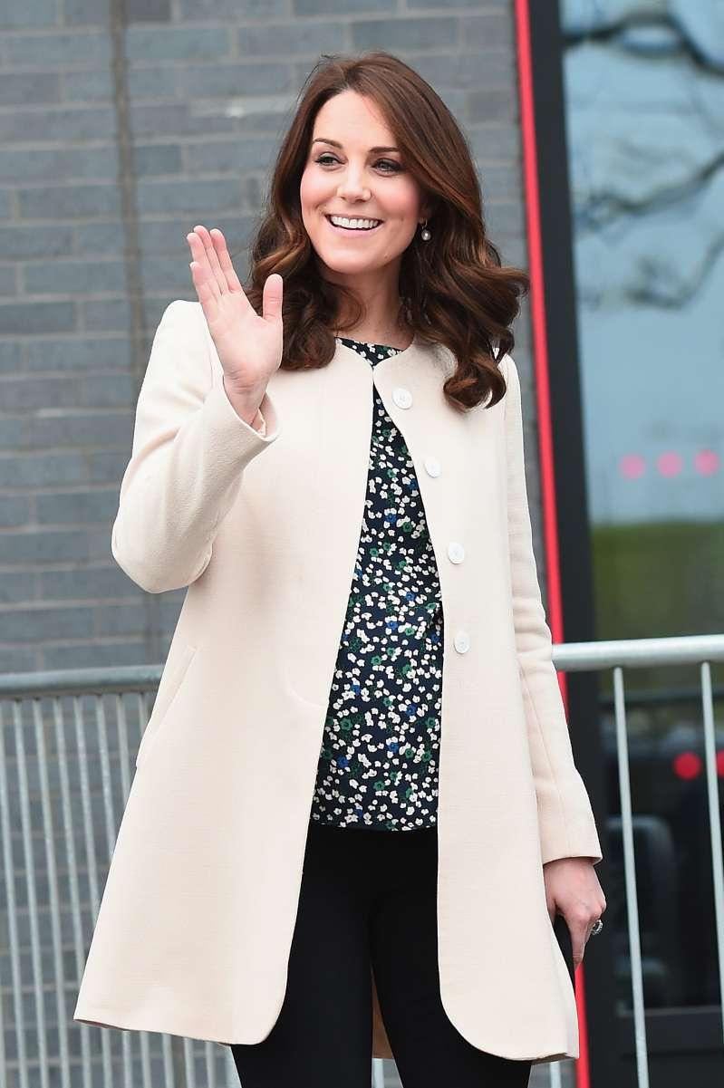 Aumentano i doveri reali? Kate Middleton ha ricevuto un importante ruolo dalla Regina stessa