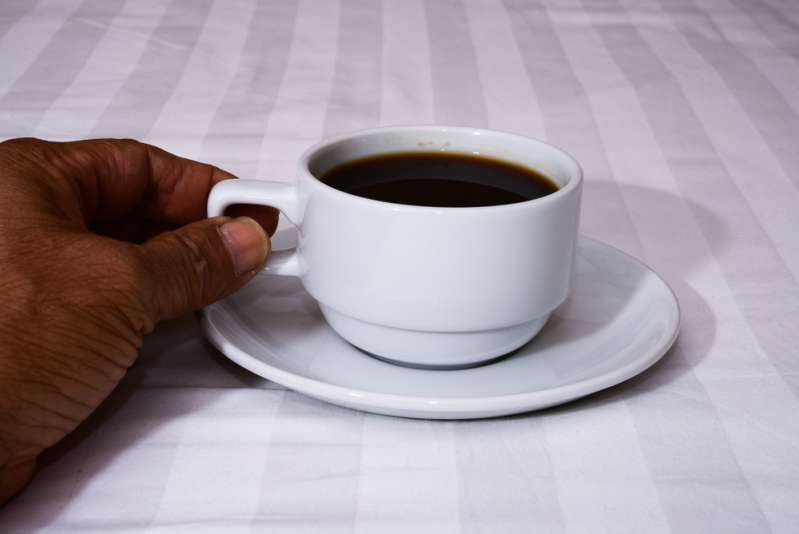 7 foods to avoid if you are over 50! Coffee in bed
