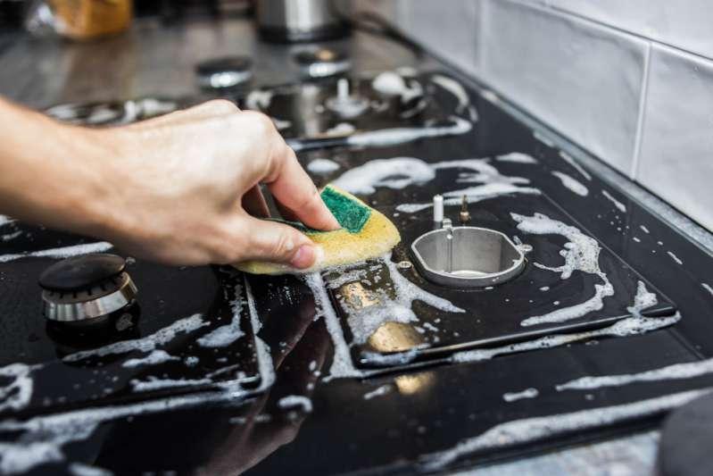 Элементарные средства, с которыми отмыть жир с ручек плиты будет проще простого
