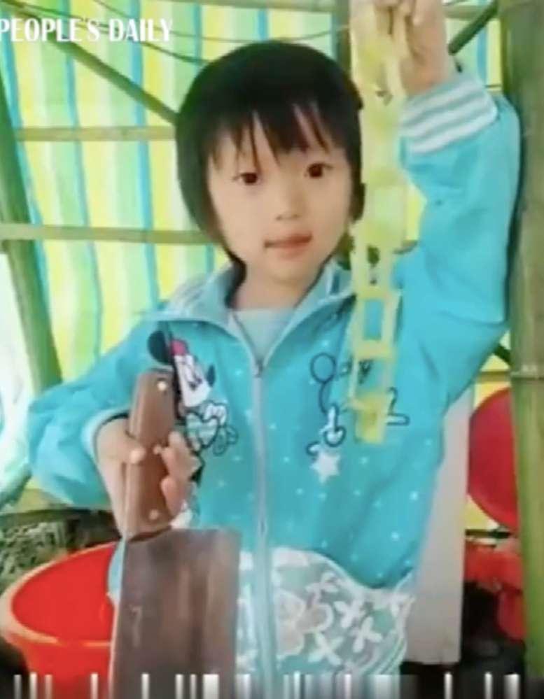 Niña de 6 años se viralizó por su habilidad con el cuchillo, pero hay una triste historia oculta