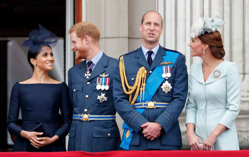 Body Language Expert Claims Display Of Friendship Between Kate And Meghan At The Christmas Service Walk Was An Act To Keep Up Appearances
