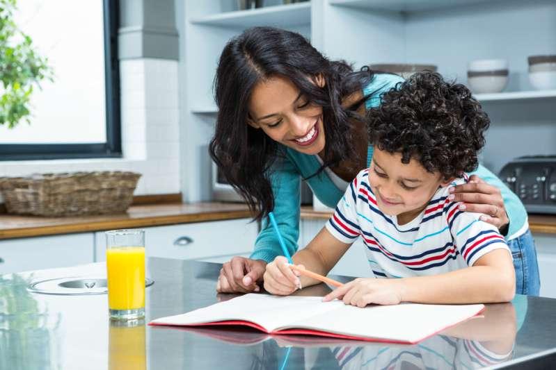 5 frasi che i genitori dicono ma che distruggono l'autostima dei figli
