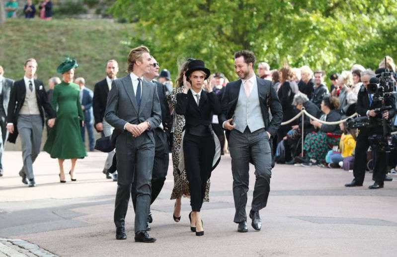 A Cara Delevingne no le importó romper el protocolo y llegó de traje a la boda de la Princesa Eugenia