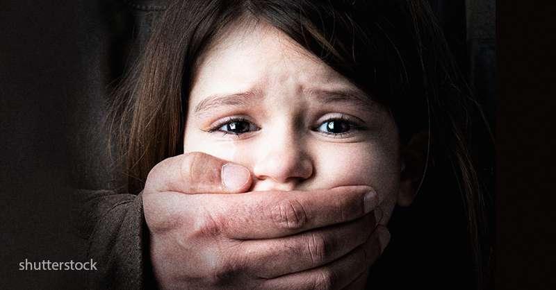 Absurdo! Casal é preso depois de agredir menina de apenas 2 meses e deixá-la com traumatismo craniano!