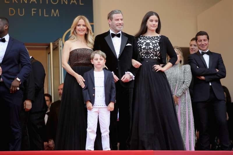 Le fils de John Travolta suit-il les traces de son père ? On dirait qu'il fait ses premiers pas au cinéma