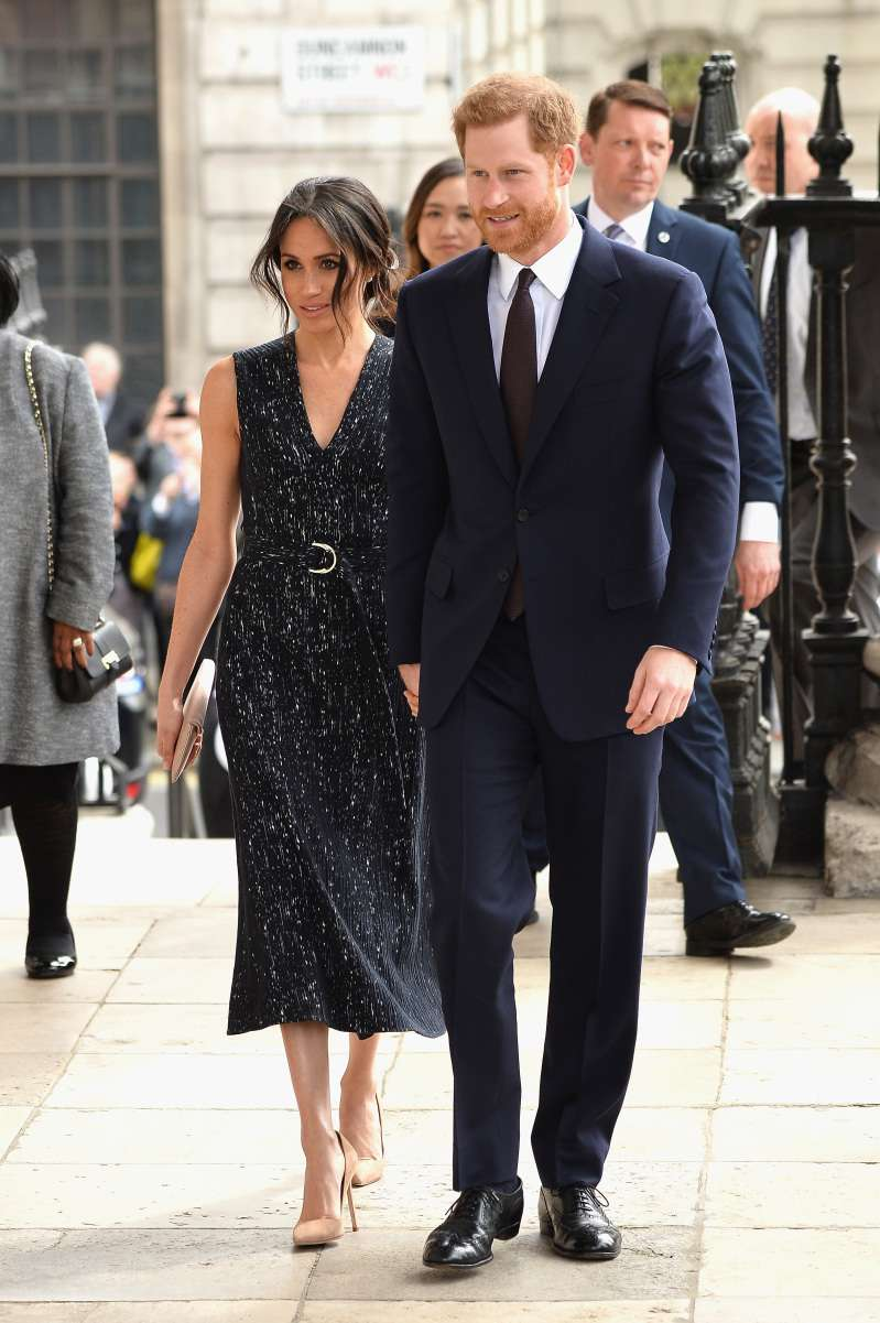 Why Is Meghan Markle Wearing Tight Clothes Instead Of Elastic Waistband Pants Like Other Expectant Mothers?