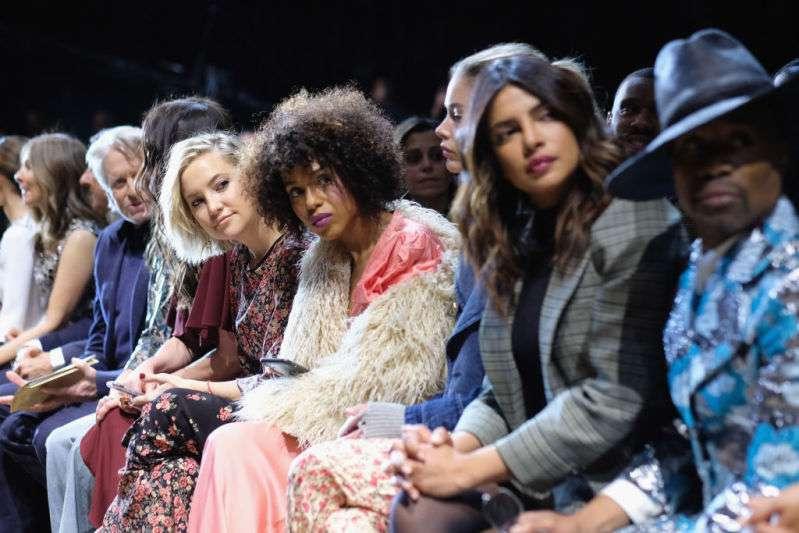Guapa como una rosa: Kate Hudson impresionó con un vestido floral en el evento de Michael Kors