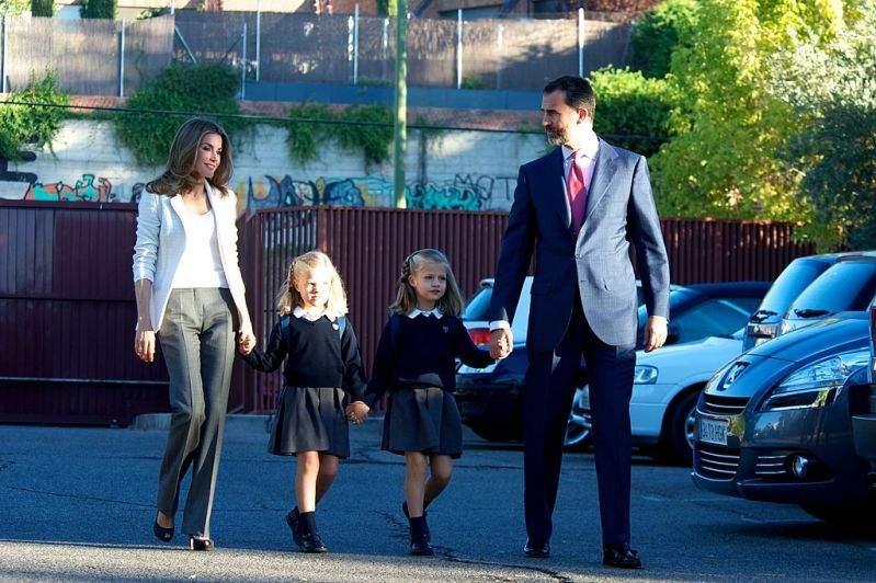 Elles ont tellement grandi ! Les filles de la reine Letizia ravissent avec un look mature le 1er jour d'école