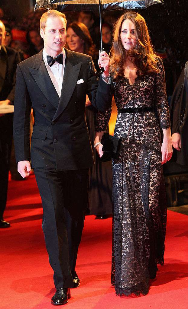 Per molti, questo abito in pizzo nero è l'outfit più provocante di Kate Middleton