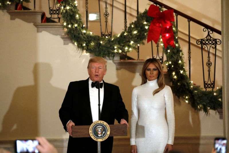 Журнал Vogue жёстко раскритиковали за негативные комментарии о рождественской фотографии Меланьи ТрампЖурнал Vogue жёстко раскритиковали за негативные комментарии о рождественской фотографии Меланьи ТрампЖурнал Vogue жёстко раскритиковали за негативные комментарии о рождественской фотографии Меланьи ТрампЖурнал Vogue жёстко раскритиковали за негативные комментарии о рождественской фотографии Меланьи Трамп