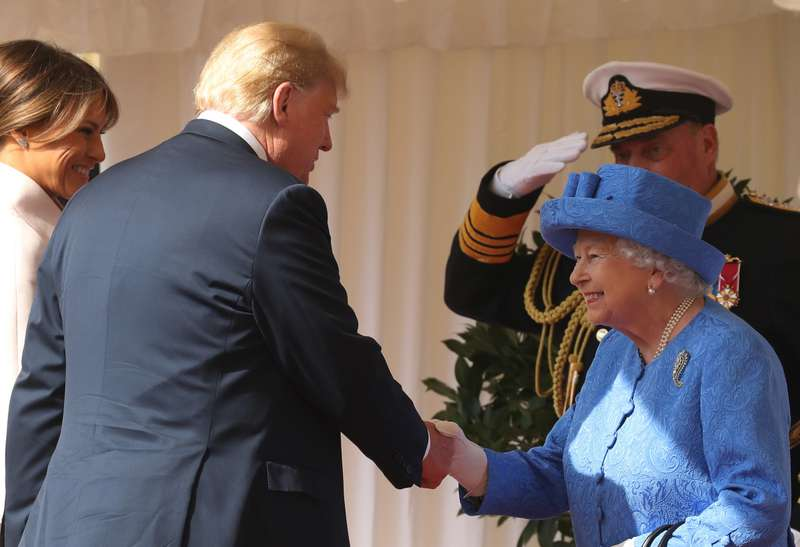 """Donald Trump wirft Licht ins Dunkel: Was ist bei der Begegnung mit Prinz Harry passiert, nachdem er Meghan als """"ekelhaft"""" bezeichnet hat?"""