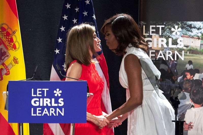 """""""Se ve robusta"""": Michelle Obama fue criticada por el atuendo que usó para un encuentro con Letizia"""