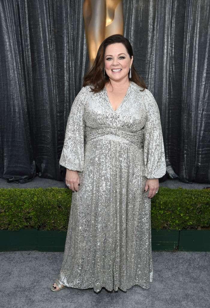 Melissa McCarthy sieht beim Oscar-Lunch atemberaubend aus, nachdem sie mehr als 20 Kilo abgenommen hat