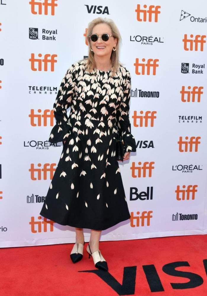 La reina de Hollywood: Meryl Streep conquistó la alfombra roja con un seductor vestido negro
