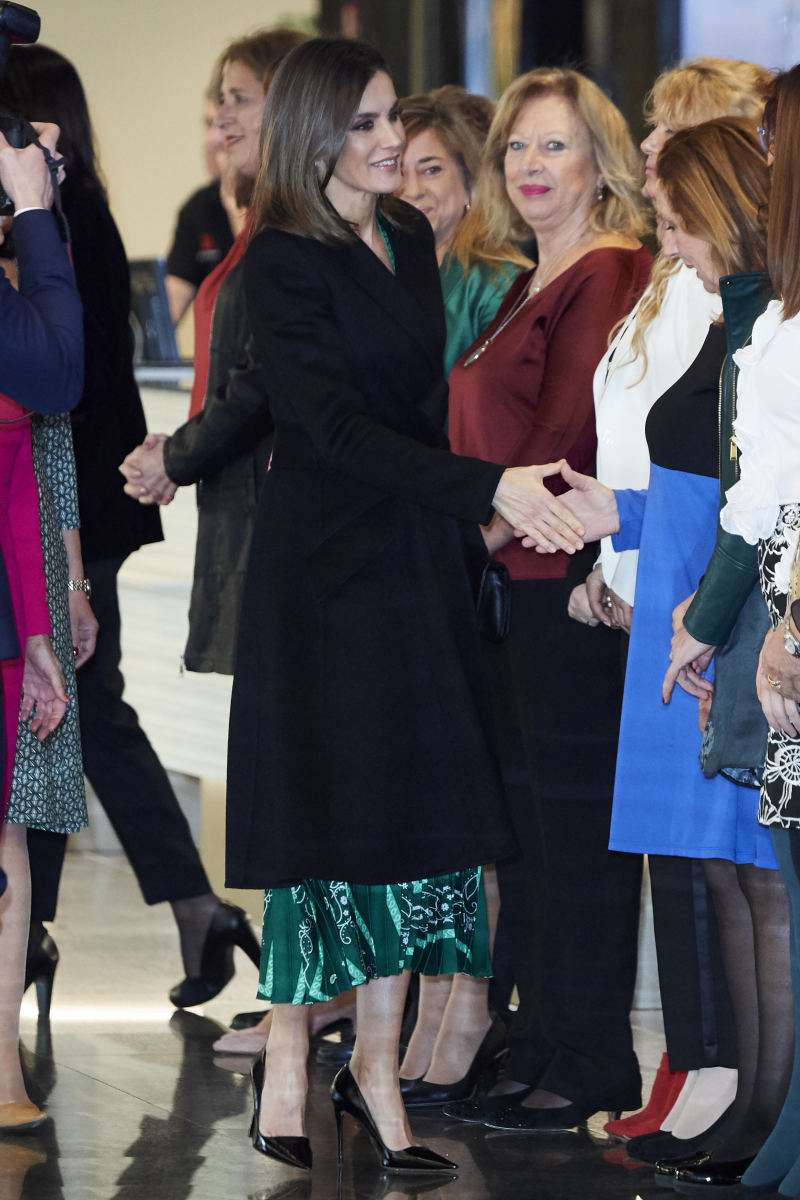 Queen Letizia's Luxurious Emerald-Green Dress Makes For A Great New Year Look in green dress