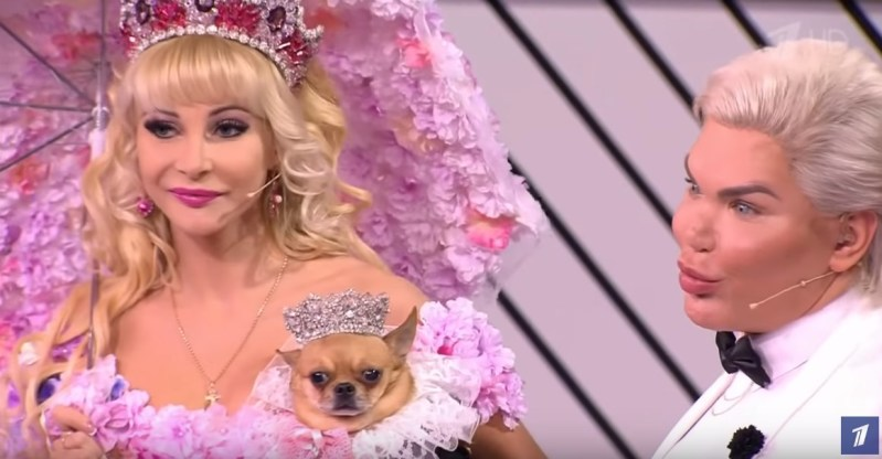 Girl Spent $157k On Her Transformation Into Barbie And Insane Doll Collection