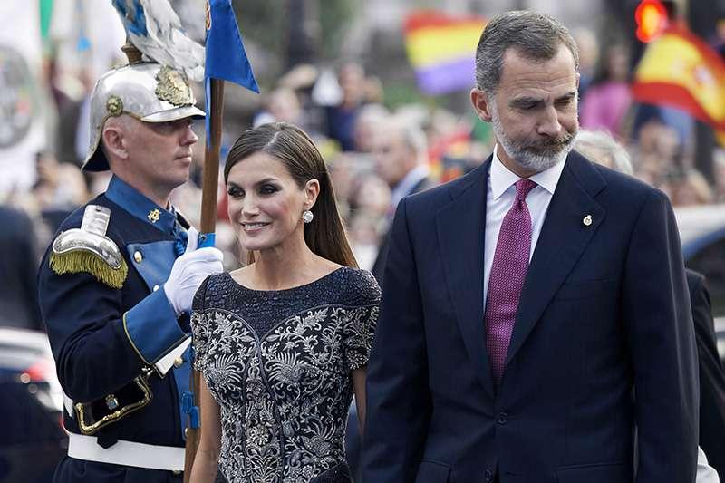 Otra vez los reyes de España ponen en duda su posible divorcio, se les volvió a ver felices y románticosOtra vez los reyes de España ponen en duda su posible divorcio, se les volvió a ver felices y románticosOtra vez los reyes de España ponen en duda su posible divorcio, se les volvió a ver felices y románticosOtra vez los reyes de España ponen en duda su posible divorcio, se les volvió a ver felices y románticosOtra vez los reyes de España ponen en duda su posible divorcio, se les volvió a ver felices y románticosOtra vez los reyes de España ponen en duda su posible divorcio, se les volvió a ver felices y románticos