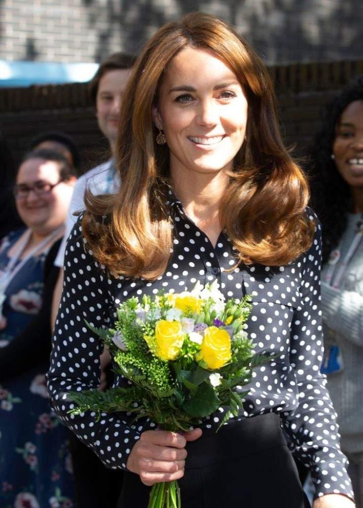 """Selon les experts, la reine Elizabeth aurait mis Kate Middleton dans une """"position difficile"""" en lui demandant d'avoir un emploi"""