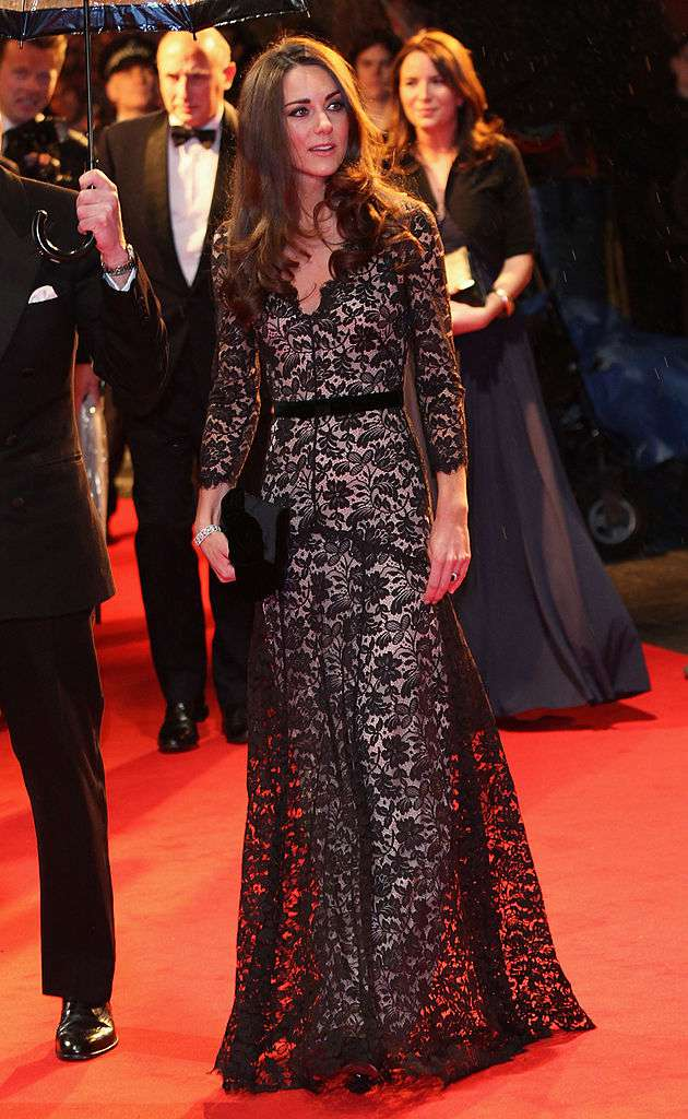 Pour beaucoup, cette robe de dentelle noire est la tenue la plus provocante de Kate Middleton