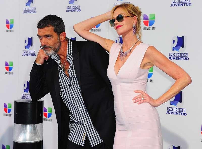 """La ama, ma non condivide: ad Antonio Banderas non piaceva l'ossessione di Melanie Griffith per i """"ritocchini"""""""
