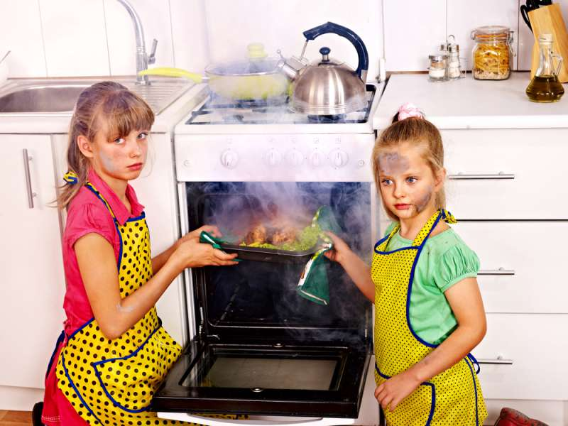 Extreme Cleaning Methods That Will Return The Initial Shine To Your Oven