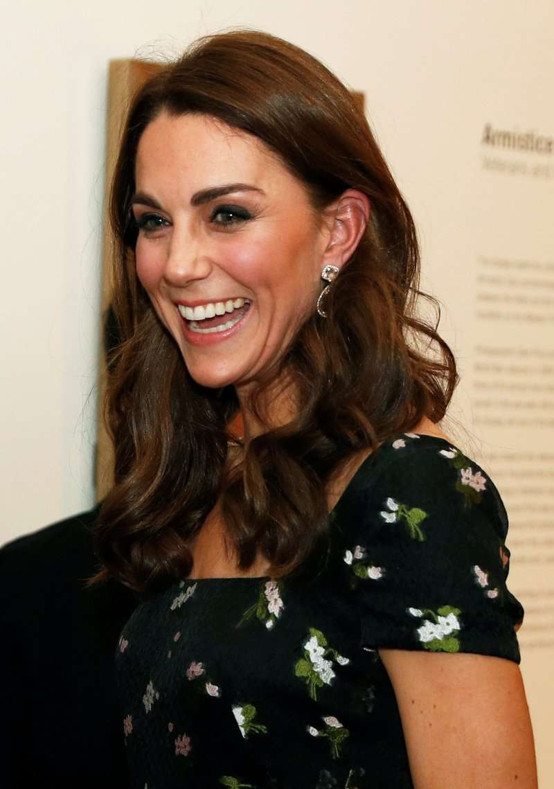 Kate Middleton Masterfully Re-Fashioned Her Alexander McQueen Dress From 2017 With One DetailKate Middleton Masterfully Re-Fashioned Her Alexander McQueen Dress From 2017 With One DetailKate Middleton Masterfully Re-Fashioned Her Alexander McQueen Dress From 2017 With One DetailKate Middleton Masterfully Re-Fashioned Her Alexander McQueen Dress From 2017 With One Detail