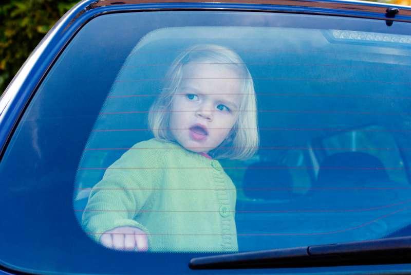 Une dangereuse erreur que les parents commettent avec les poussettes de leurs enfants