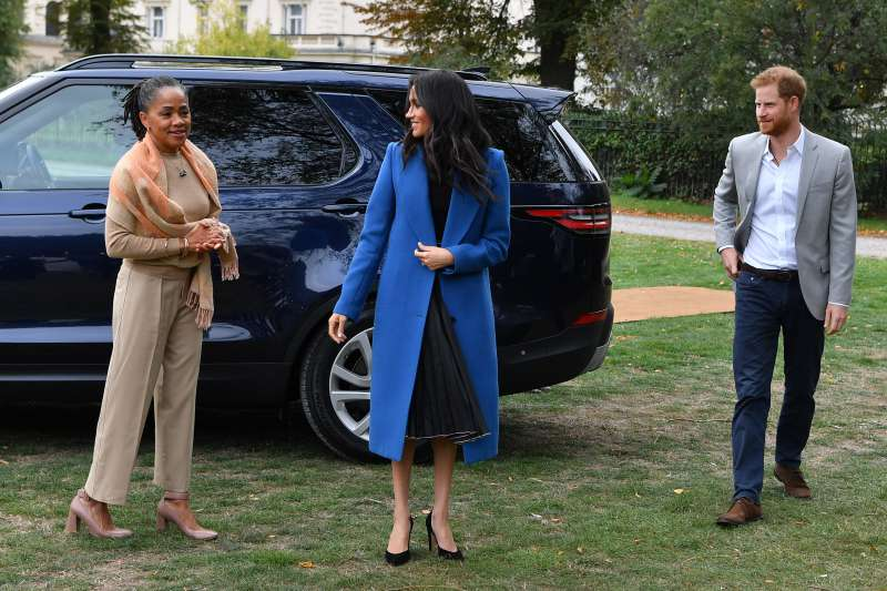 "Meghan Markle In No Rush To Hire A Nanny For Archie Because Her Mom Doria Is ""Indispensable"" As A Granny, Royal Expert ClaimsMeghan Markle In No Rush To Hire A Nanny For Archie Because Her Mom Doria Is ""Indispensable"" As A Granny, Royal Expert ClaimsMeghan Markle In No Rush To Hire A Nanny For Archie Because Her Mom Doria Is ""Indispensable"" As A Granny, Royal Expert Claims"
