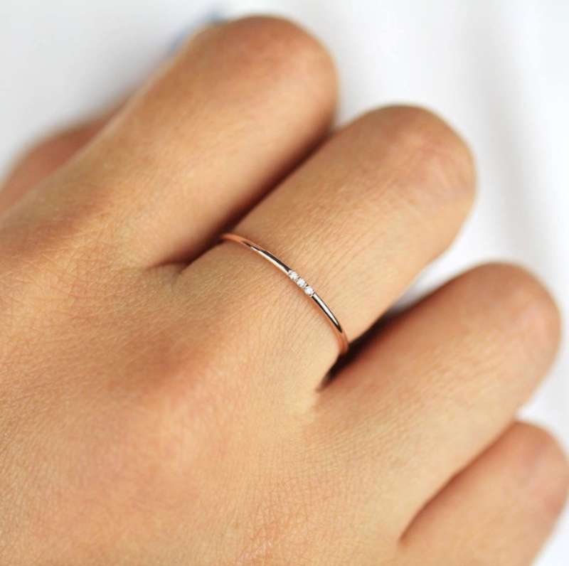 Bride Shows Off Her Minimalist Super Thin Wedding Ring Online And People Mock Her For It