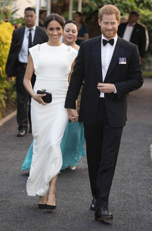 Mini, midi, ou maxi : quelle longueur de robe convient le mieux à Meghan Markle ?meghan white dress