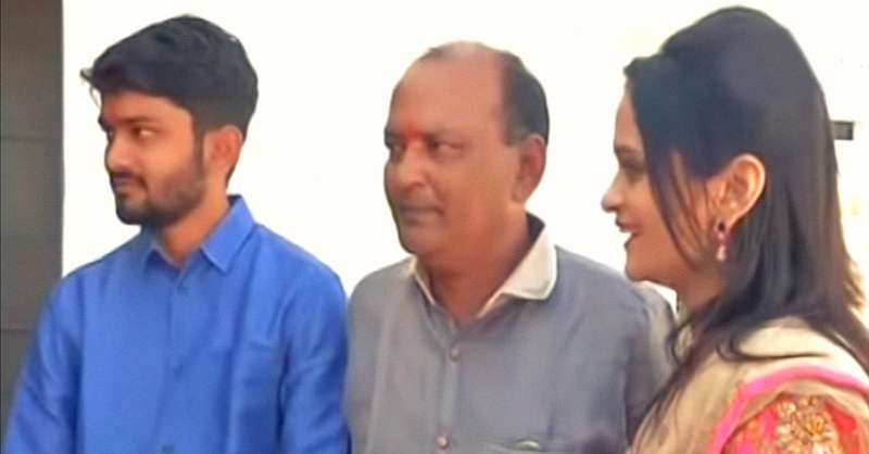Indian Businessman Celebrates His Daughter's Wedding By Gifting 90 Houses To The HomelessIndian Businessman Celebrates His Daughter's Wedding By Gifting 90 Houses To The HomelessIndian Businessman Celebrates His Daughter's Wedding By Gifting 90 Houses To The HomelessIndian Businessman Celebrates His Daughter's Wedding By Gifting 90 Houses To The Homeless