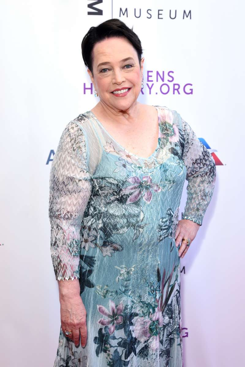 Kathy Bates, 70 ans, présente une version lip-sync endiablée de 'That's What I Like' de Bruno Mars