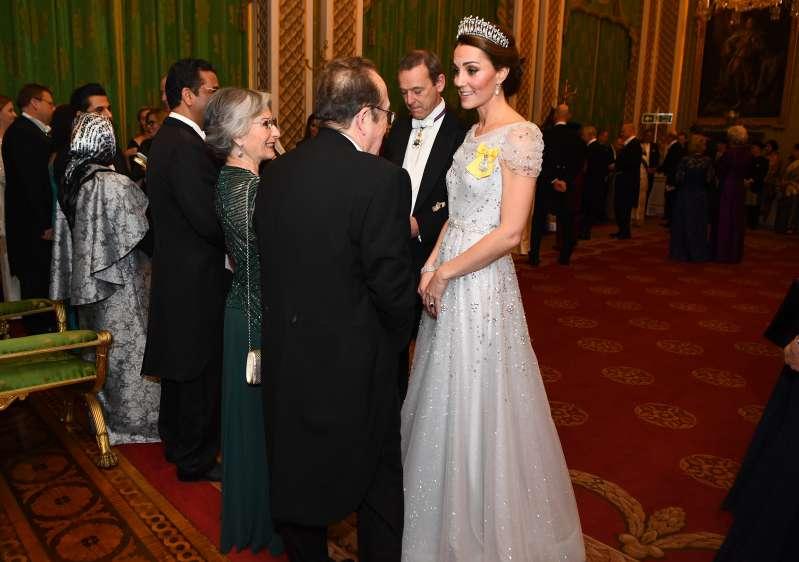 Cinderella, é você? Kate Middleton arrasa em evento e fãs a comparam com a princesa da Disney
