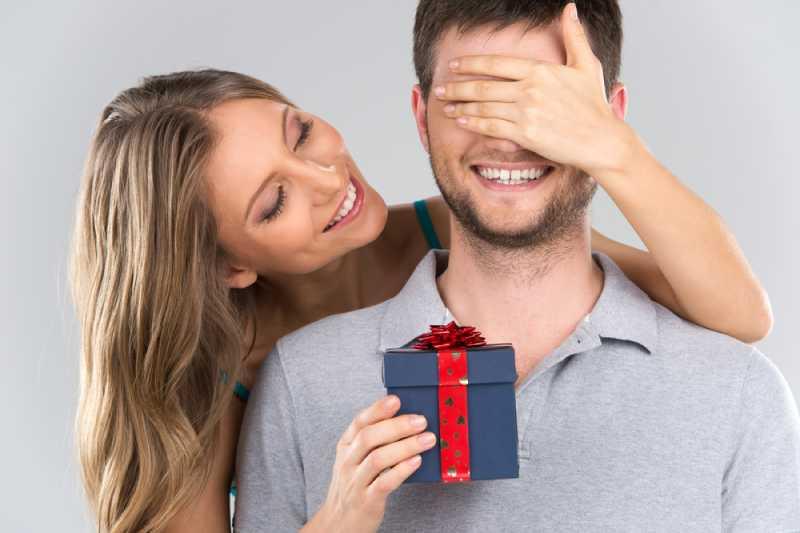Um jeden Preis zu vermeiden: Die 5-Geschenke, die einem Mann am schlechtesten angeboten werden. Um jeden Preis zu vermeiden: Die 5-Geschenke, die einem Mann am schlechtesten angeboten werden