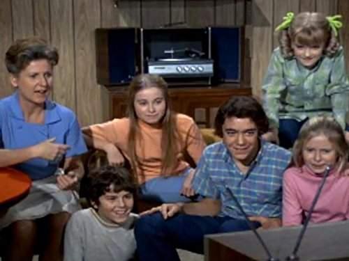 "'The Brady Bunch' Star Maureen McCormick Warmly Remembers Her Strong Bond With Ann B. Davis: ""I Just Admire Her""'The Brady Bunch' Star Maureen McCormick Warmly Remembers Her Strong Bond With Ann B. Davis: ""I Just Admire Her""'The Brady Bunch' Star Maureen McCormick Warmly Remembers Her Strong Bond With Ann B. Davis: ""I Just Admire Her""'The Brady Bunch' Star Maureen McCormick Warmly Remembers Her Strong Bond With Ann B. Davis: ""I Just Admire Her"""