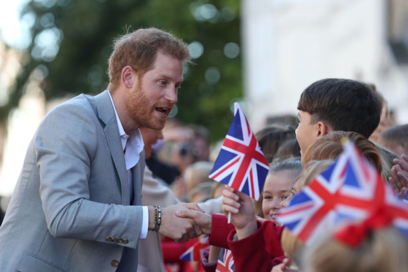 Prince Harry Comforts Little Boy Who Was Crying Because He Didn't Get To Meet Meghan Markle