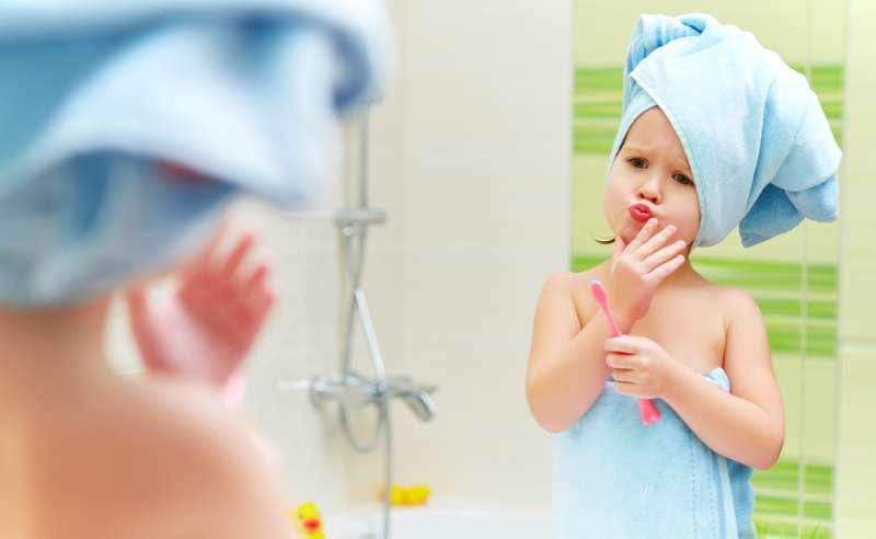 Воспитываем леди: 5 правил личной гигиены, которым девочку нужно обучить с детства