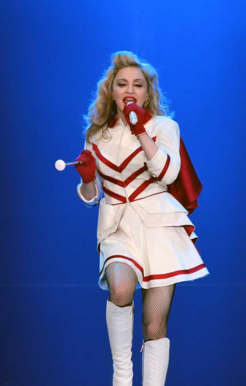 Madonna, de 60 años, muestra que la edad no es impedimento para bailar como los mejoresMadonna performs at Boardwalk Hall Arena on September 15, 2012