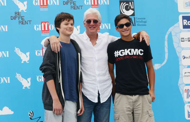 Le fils de Richard Gere, 19 ans, a hérité du superbe regard de son célèbre père