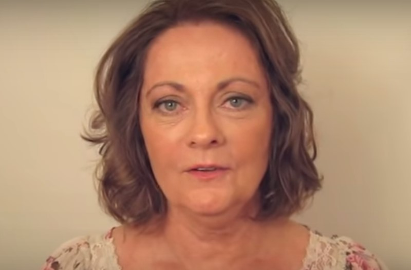 Esta mujer de 60 años decidió cambiar su imagen y la dejaron como toda una actriz de Hollywood