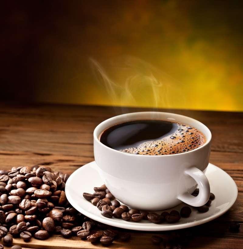 А как вы держите чашку с кофе? Один из вариантов выдаст в вас некультурного человека