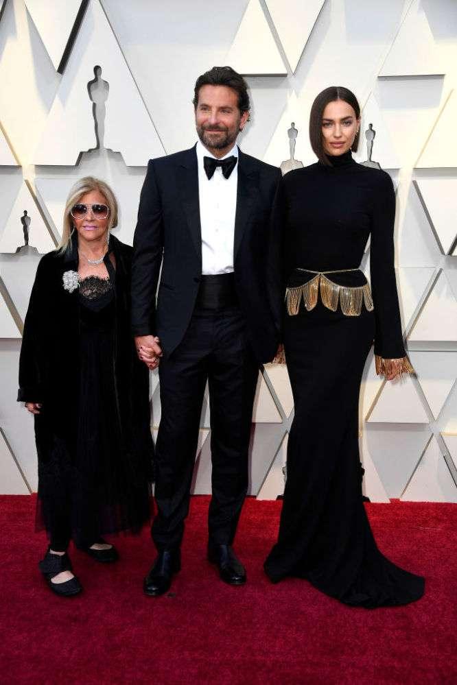 Bradley Cooper e Irina Shayk sí terminaron por otra mujer, pero no fue Lady Gaga, sino la suegraBradley Cooper e Irina Shayk sí terminaron por otra mujer, pero no fue Lady Gaga, sino la suegraBradley Cooper e Irina Shayk sí terminaron por otra mujer, pero no fue Lady Gaga, sino la suegra
