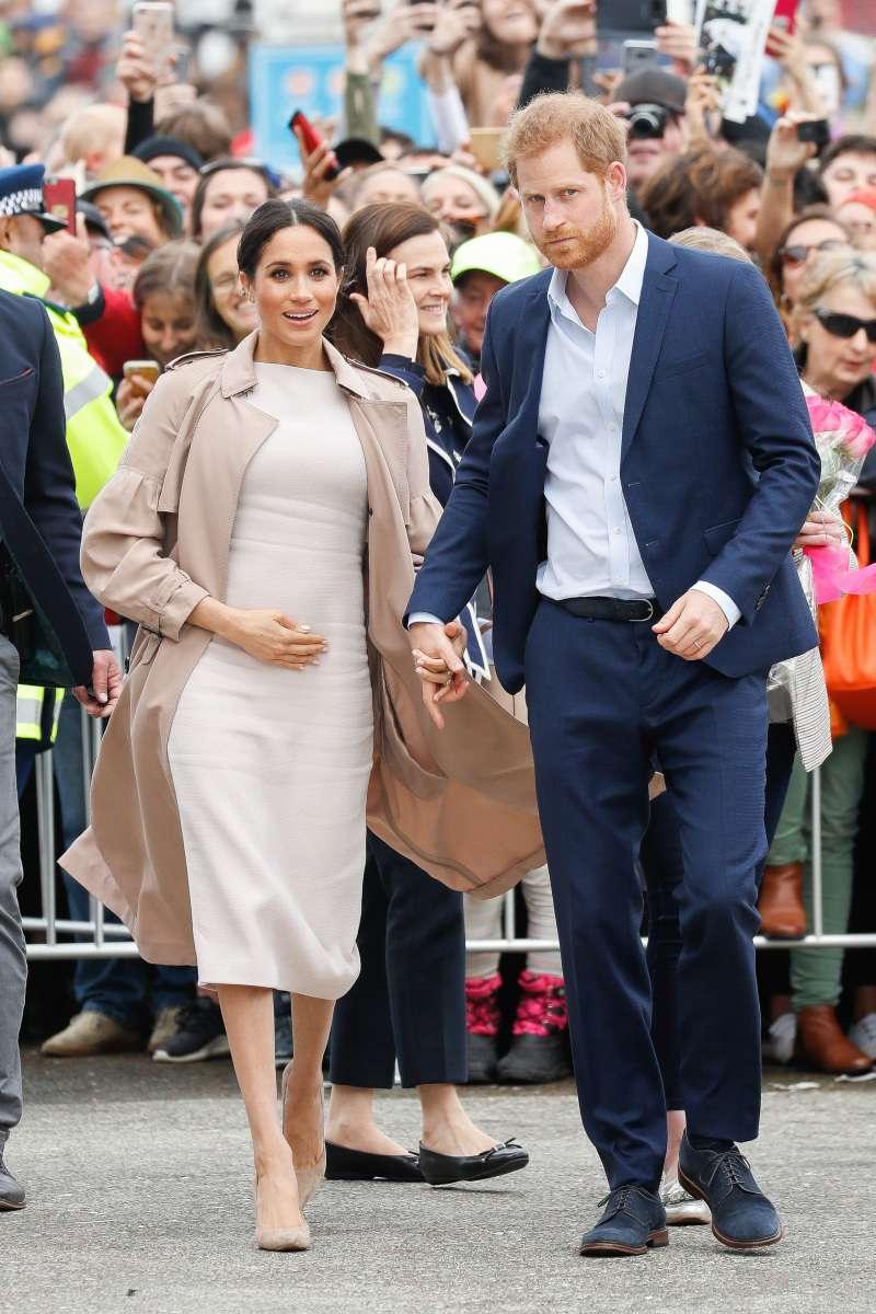 Why So Short? Real Reason Why Meghan And Kate Wear Knee-Length Outfits During Their Pregnanciesmeghan markle pregnant bump