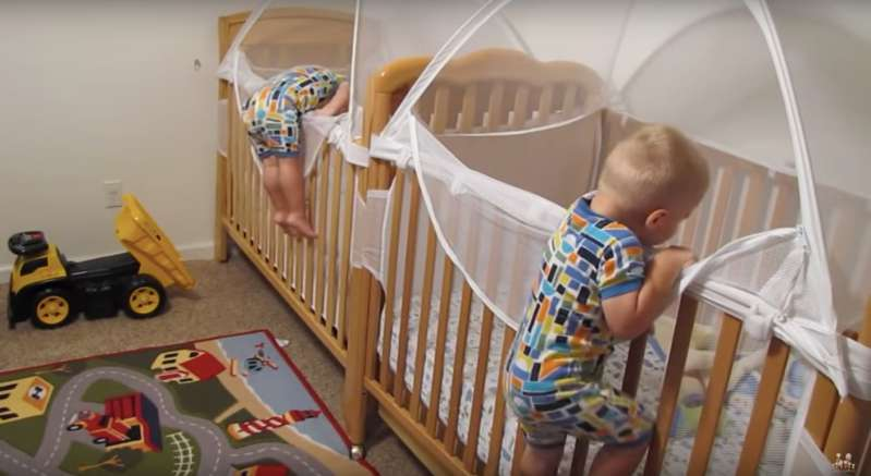 Viral Video Shows Adorable Twin Boys Happily Getting Into Bed With Independent Sleeping Routine