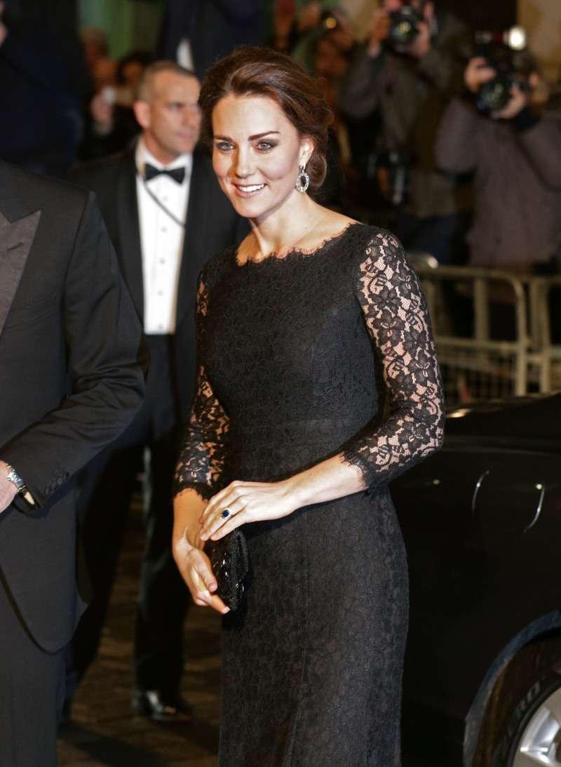 Из пацанки в герцогини: как Кейт Миддлтон одевалась до свадьбы с принцем Уильямом?