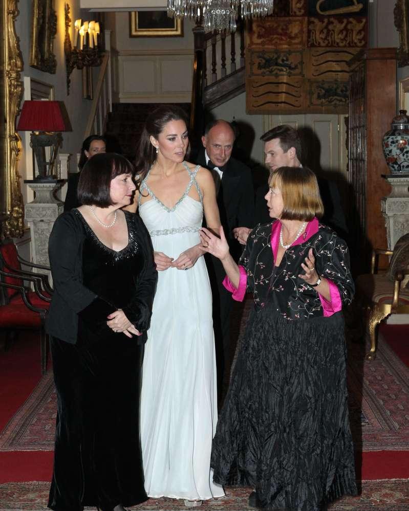 Esperimenti spericolati di gioventù: 5 azzardi fashion di Kate MiddletonMeghan Markle first solo event