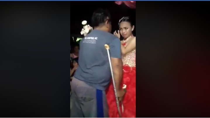 So Touching! A Disabled Father Beats The Odds To Leading His Daughter On The Dance Floor