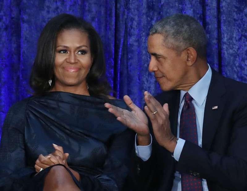 Thalía invitó a bailar a Barack Obama en una fiesta latina y desató los celos fulminantes de MichelleThalía invitó a bailar a Barack Obama en una fiesta latina y desató los celos fulminantes de Michelle