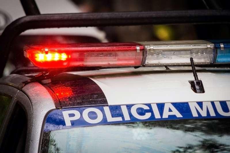 """""""Niente più scuse!"""": mamma punisce il figlio chiamando la polizia"""