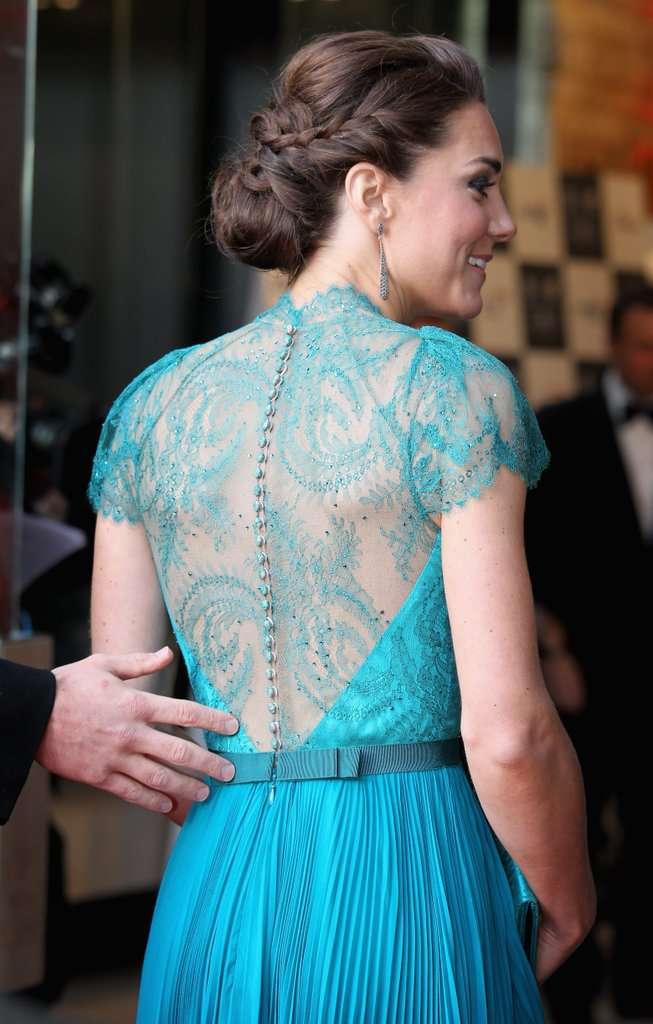 Deux fois en bleu turquoise ! Kate Middleton est éblouissante dans sa robe Jenny Packham qu'elle a portée en 2012